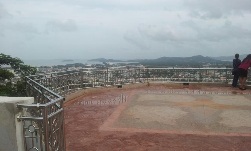 площадка с видом на город Пхукет