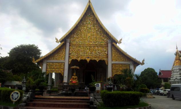 Храм WAT CHIANG MAN
