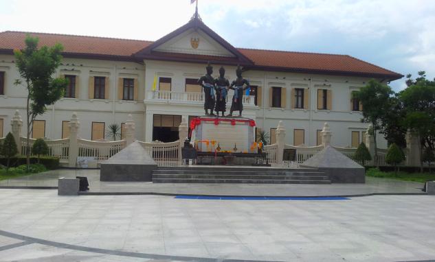 Памятник трем королям Чиангмая