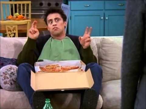 друзья и пицца
