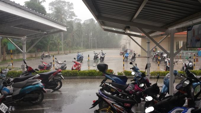 остров Самуи, мотобайки в дождь
