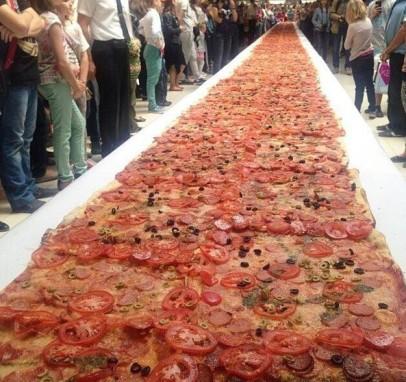 длинная пицца в мире